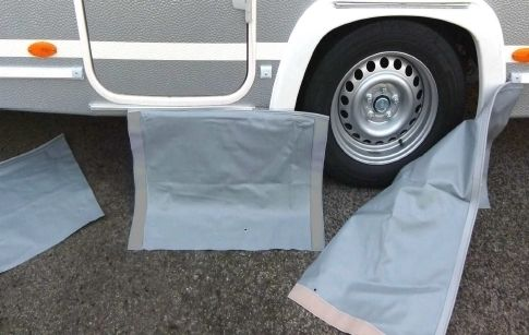 Bodenschürze 3-teilig mit Türausschnitt ✓ Einzelteile